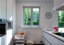 d-piu-finestra-pvc-bianca-cucina-moderna-