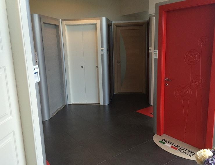 Porte interne design italiano gr serramenti di gallarate varese - Posa porte interne ...